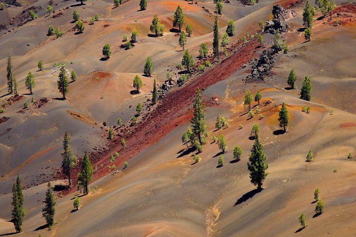 Пейзажи национального парка Лассен-Волканик, которые выглядят совершенно инопланетно