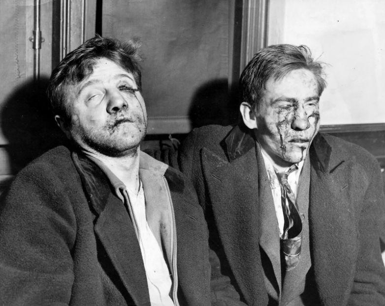 Эдвард Метелски и Пол Семенкевитц, задержаны по обвинению в убийстве полицейского. Кадр был сделан п