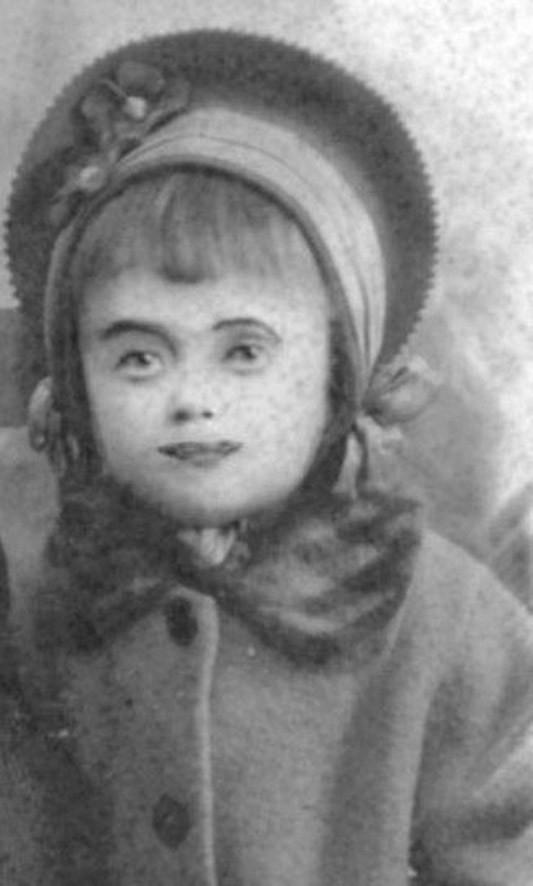 «Ее жизнь так печальна, что рассказ о ней кажется неправдоподобным»: великая трагедия Эдит Пиаф (20 фото)