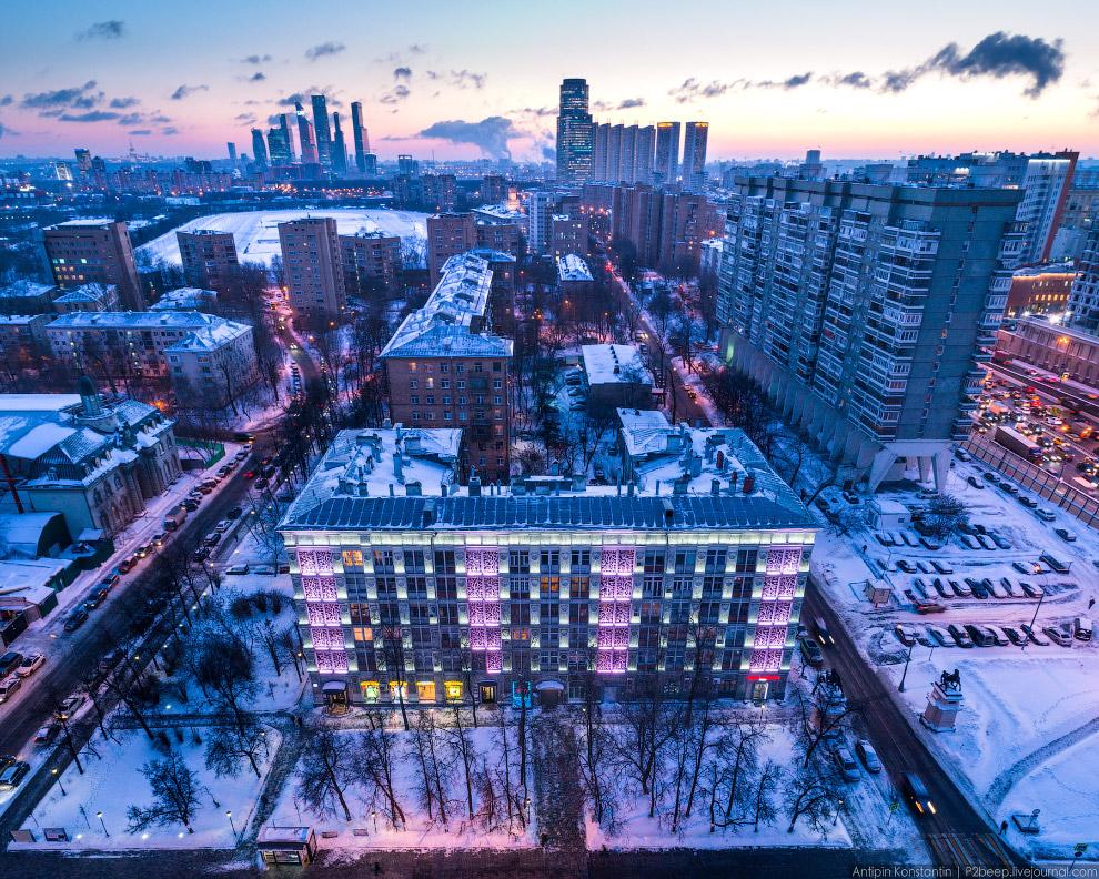 14. Дом-сороконожка архитектора Меерсона на Беговой.
