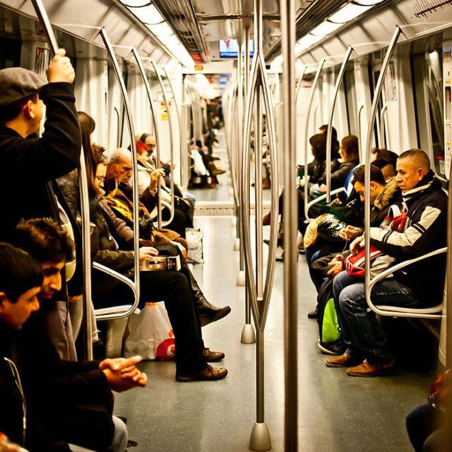 Вам когда-нибудь случалось зайти в вагон метро и увидеть подозрительного человека? В общественном тр