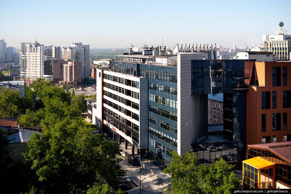 73. Деловой центр «Академия» и ресторанный комплекс La Maison.