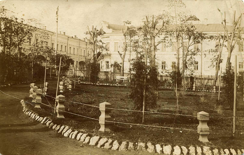 Вид от городского театра на Сибирскую улицу