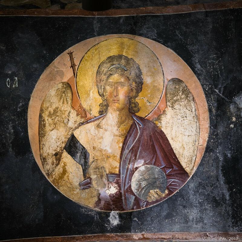 Медальон с архангелом. Мозаики и фрески монастыря Хора. Церковь Христа Спасителя в Полях.