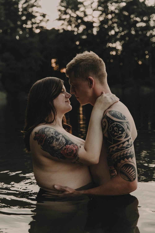 Фотосессия пары стала вирусной в сети