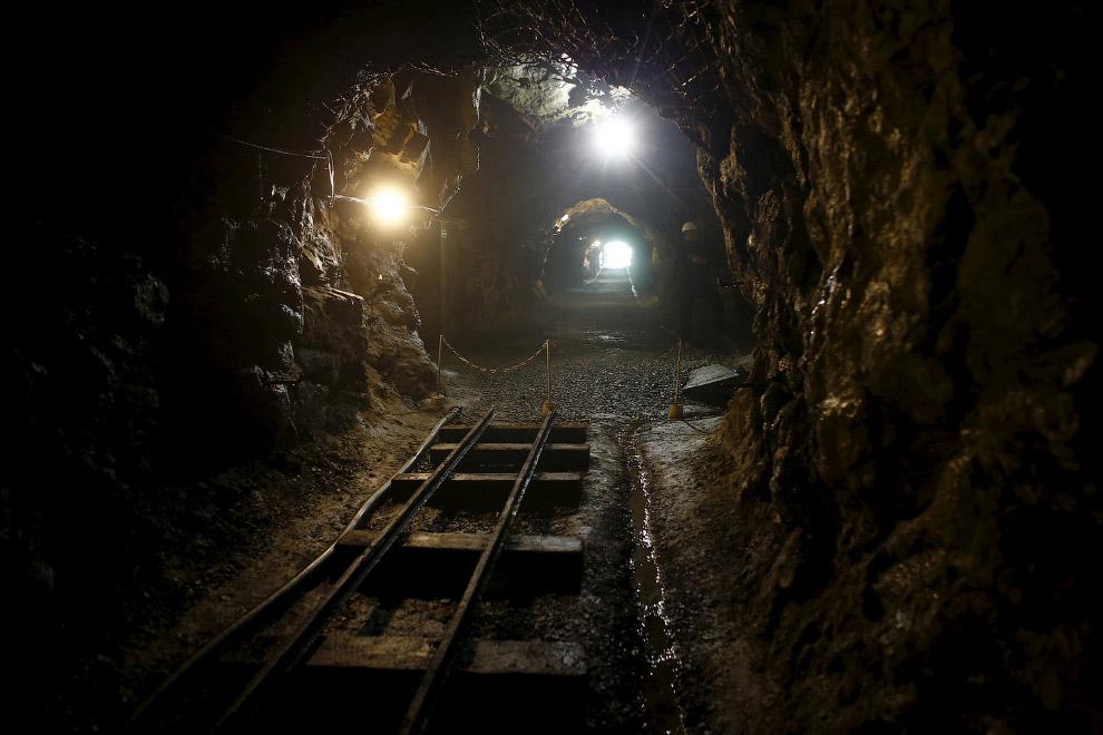 14. Красивая пещера в провинции Хэбэй в северном Китае. (Фото Liu Huanyu | Xinhua Press):