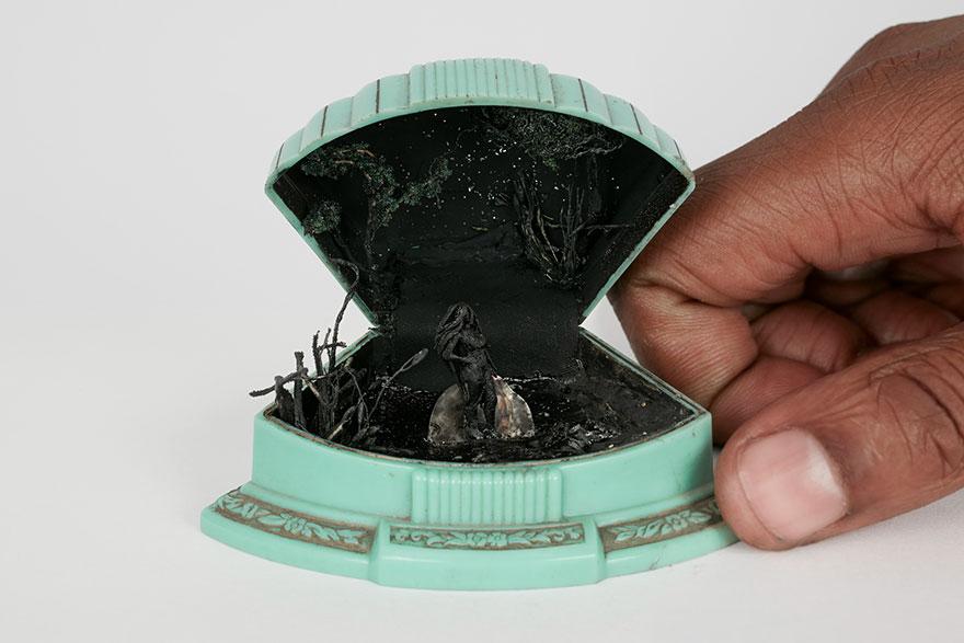 Сцены жизни внутри ювелирной коробки (28 фото)