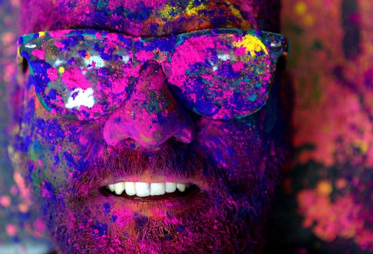 Фестиваль красок Холи 2018 (18 фото)