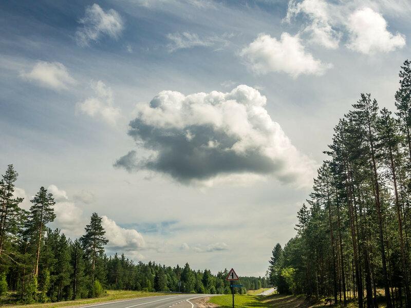 Облака — одно из лучших развлечений, когда дни напролёт едешь по трассе.
