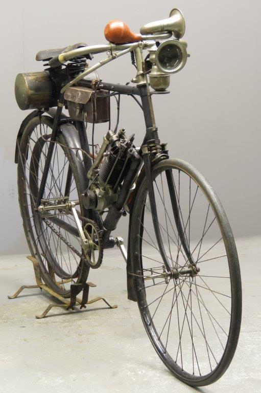 Старинный мотоцикл Clement-Garrard 1904