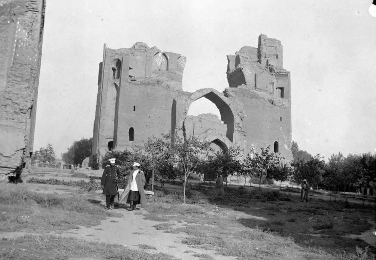 Развалины мечети Биби-Ханым