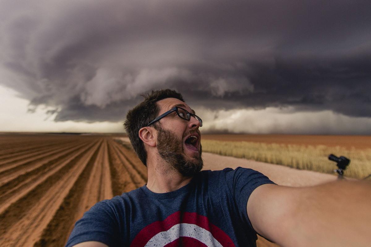 Охотник за ураганами Майк Олбински