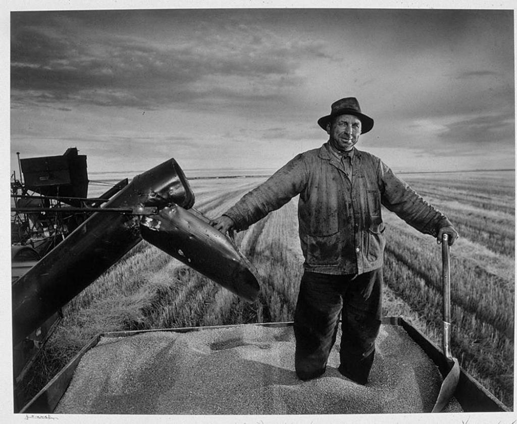PRAIRIE ФЕРМЕР ПШЕНИЦУ, РЕГИНА (ГОРИЗОНТАЛЬНЫЙ)Юсуф КаршДАТА:1953Великий фотопортретист Юсуф Карш (Yousuf Karsh 1908-2002) Часть 3