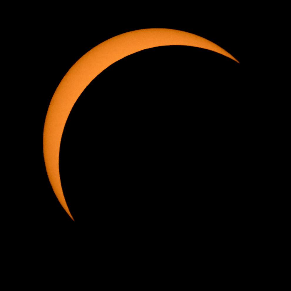 (Фото NASA | Bill Ingalls):  Полное солнечное затмение. (Фото NASA | Bill Ingalls):