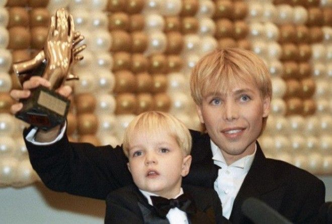Настоящей сенсацией в интернете стали снимки подросшего сына Сергея Зверева, которого стилист в свое