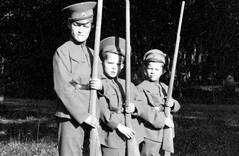 8. В начале июля 1918 года советские власти начали готовиться к казни царской семьи. Обычных солдат