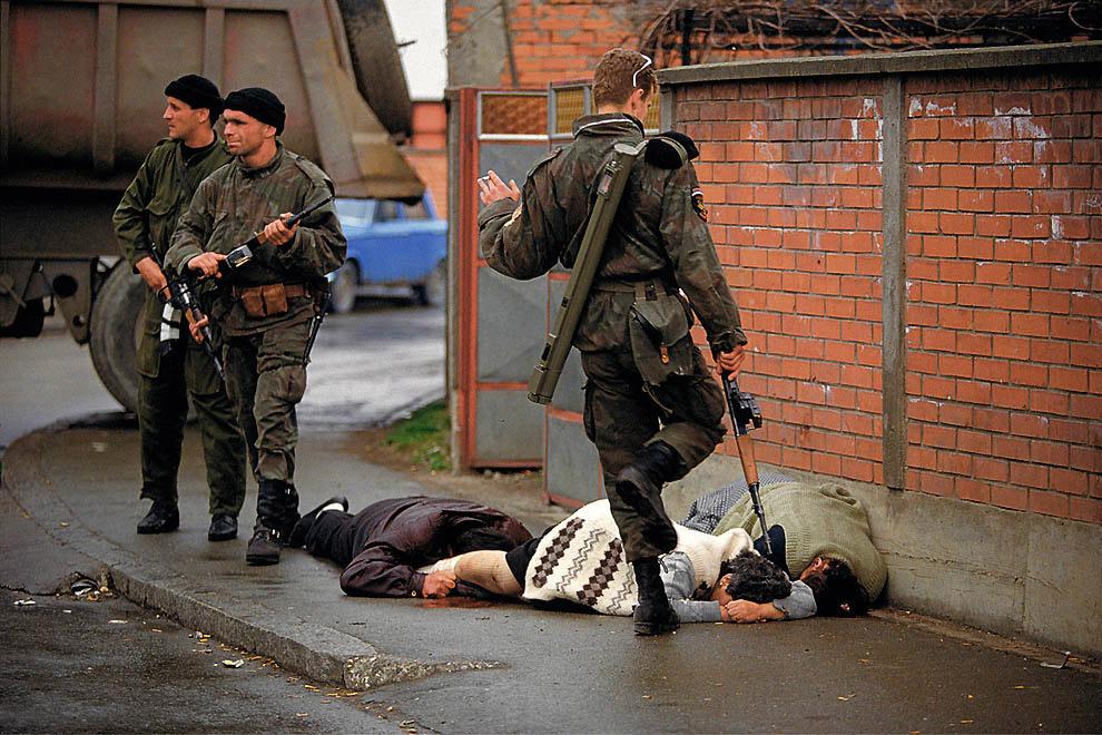 4. После ликвидации советского блока и самого СССР в 1992 году настал черед ещё одного осколка бывше