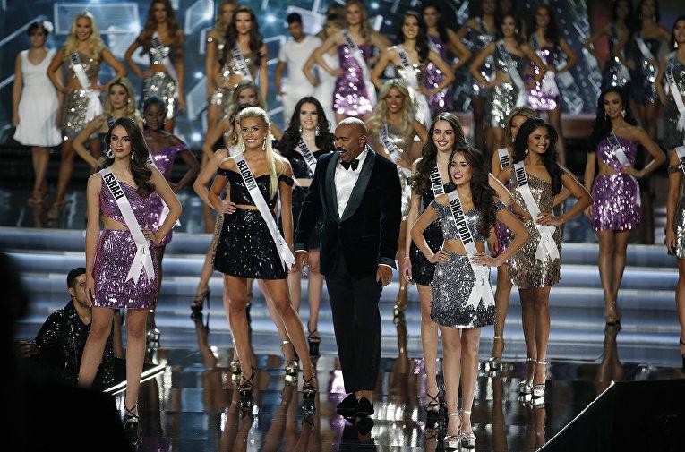 Финалистки (слева направо): Мисс Шри-Ланка Кристина Пейрис (Christina Peiris), Мисс ЮАР Деми-Ли Нель