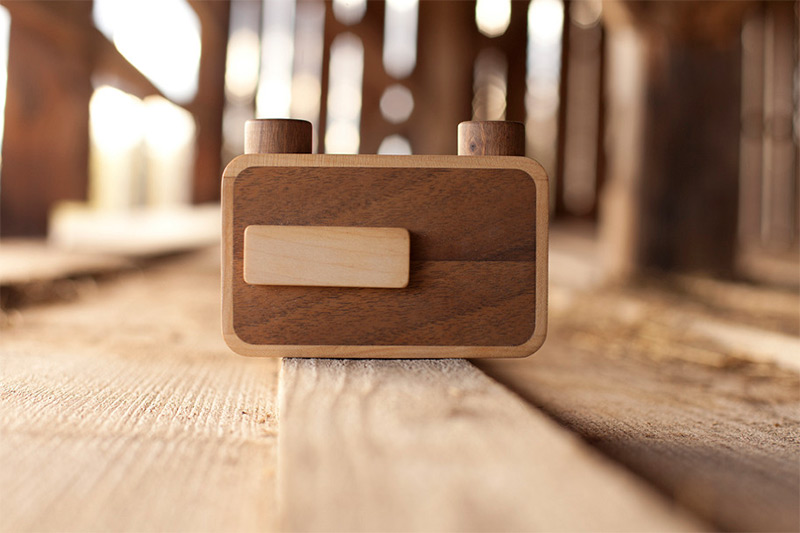 Put Down the iPhone and Pickup an ONDU Wooden Pinhole Camera (6 pics)