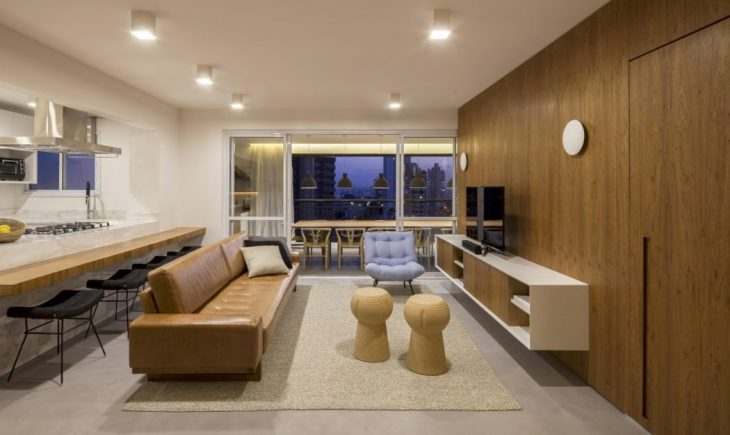 This apartment located in Sao Paulo, was designed for a family who was asking for integrated spaces.
