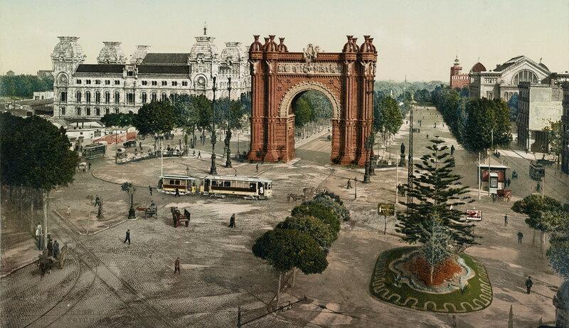 Триумфальная арка Барселоны в конце XIX века, вид в сторону бульвара Пасеч-де-Льюис Компаньс