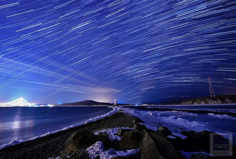 Метеорный поток Геминиды в небе над Владивостоком