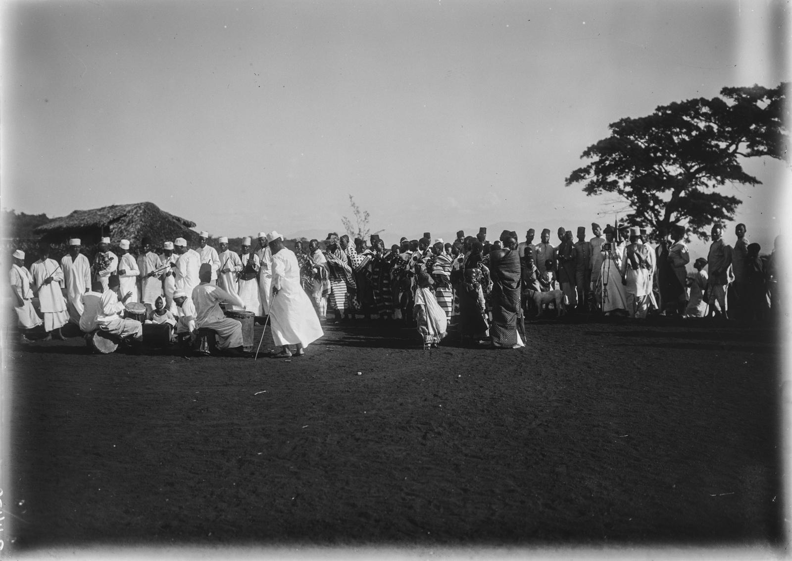 126. Станция немецкого общества Восточной Африки (ДОАГ) в Моши. Праздник во время Рамадана