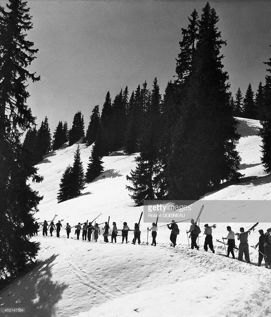 1946. Цепочка лыжников в Тироле, Австрия