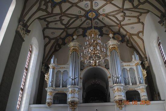 sanktuarium-organy.jpg