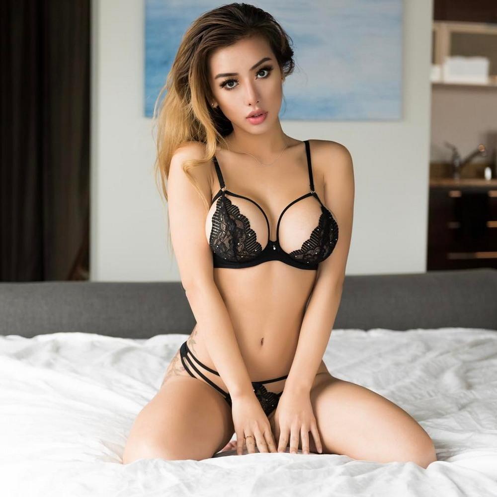 Белье фото девушка в нижнем сексуальная