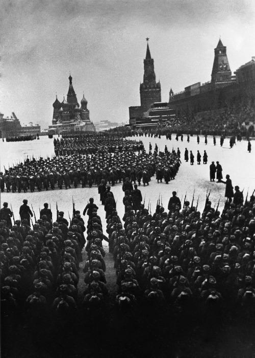 Красная площадь. Парад 1941 г