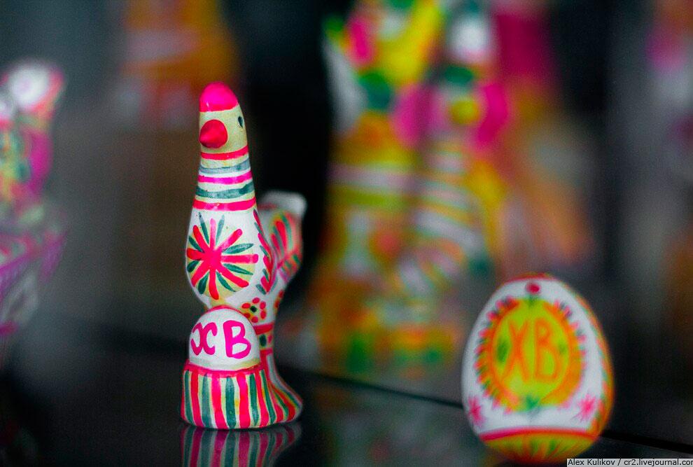 Кроме Филимоновской, мастера делают ещё такие вещи из керамики: