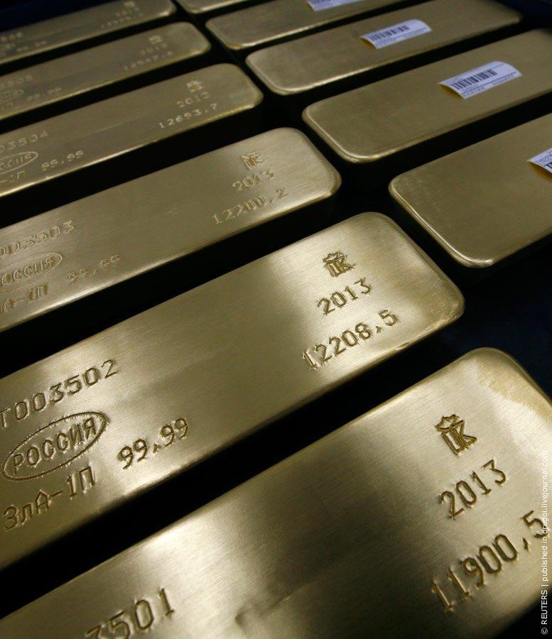 Кстати, Россия среди крупнейших государственных золотых запасов в мире, на декабрь 2011 года