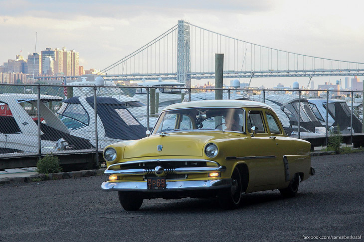 Старые автомобили на улицах Нью-Йорка (56 фото)