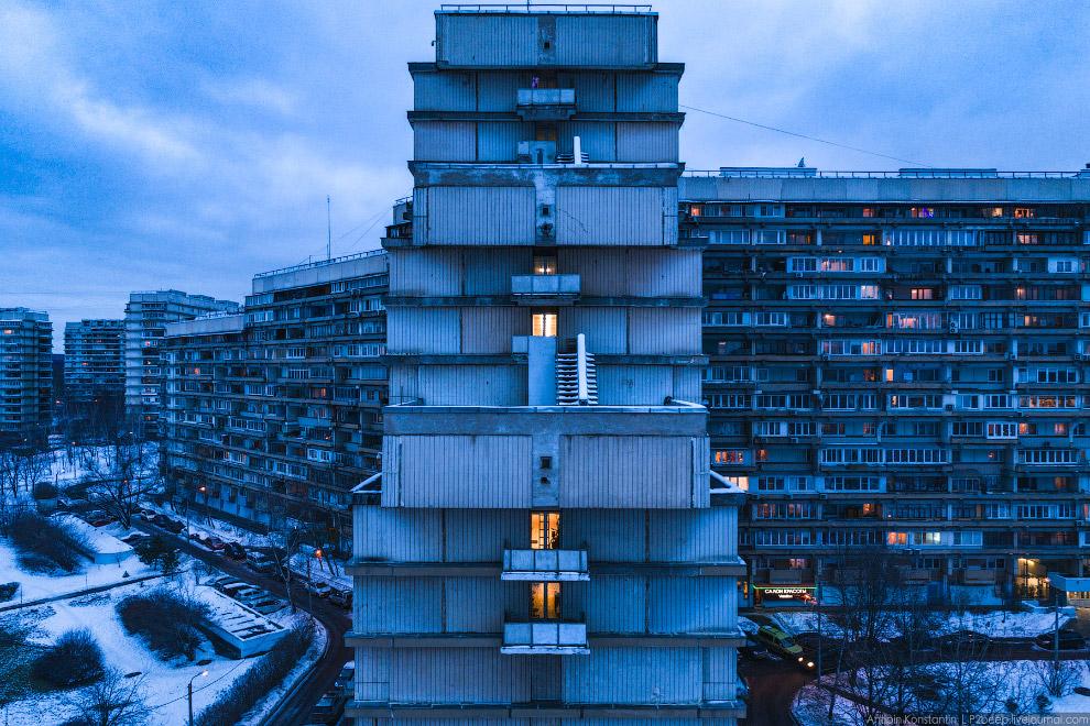 4. Когда-нибудь Северное Чертаново включат в список наследия ЮНЕСКО, а этот 45-этажный ЖК снесут. Ка