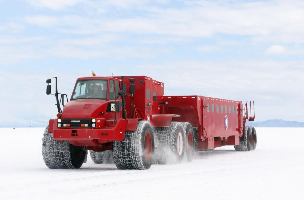 13. В Антарктике фактор человеческого влияния на климат сведен к минимуму и в связи с этим проведени