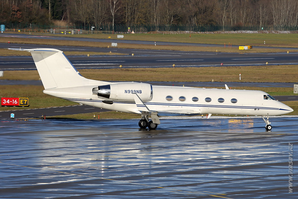 Gulfstream_Aerospace_G-IV_Gulfstream_IV_N999NB_Private_1_ZRH.JPG