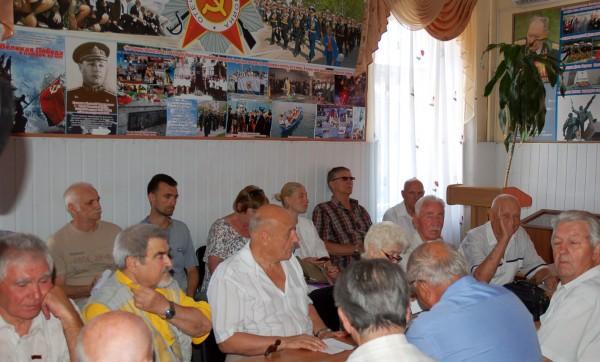 20170713-Власти Севастополя ведут «торги» с ветеранами за памятник Примирения-pic2