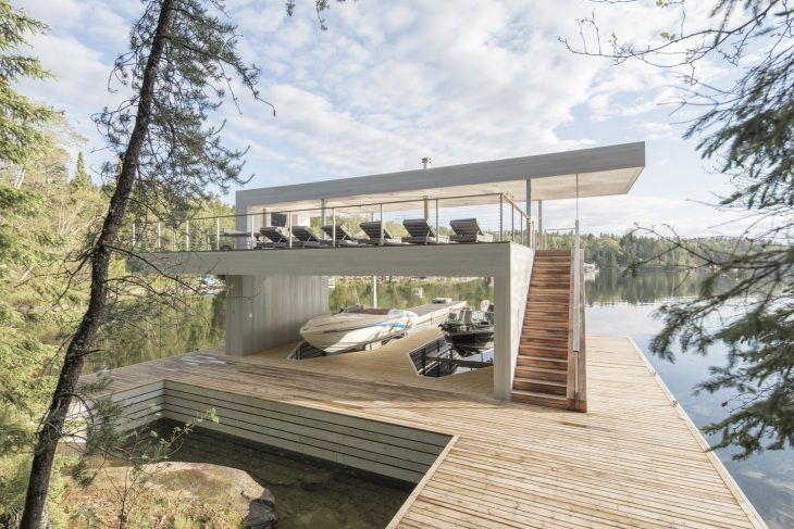 Cibinel Architecture  designed this inspiring lakeside retreat situated in Canada. T