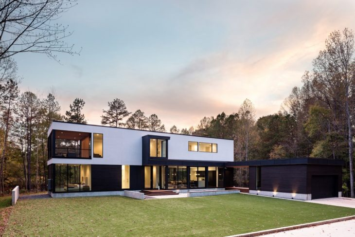 In Situ Studio designed this inspiring modern two-storey residence located in Matthews, North Caroli