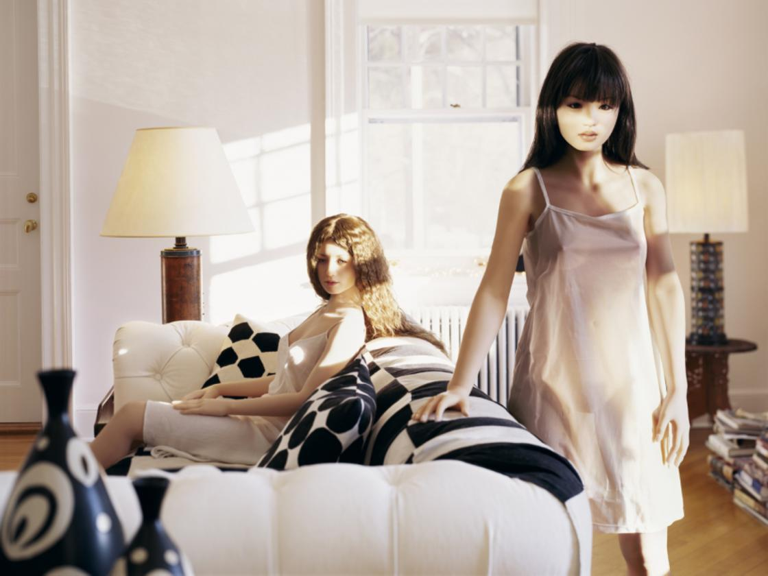 Laurie Simmons – Meeting from Love Doll series 2011 | Courtesy of the artist and Salon 94, New York