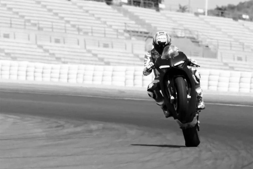 Кейси Стоунер протестировал супербайк Ducati Panigale V4