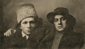1912. Владимир Маяковский с издателем Георгием Кузьминым