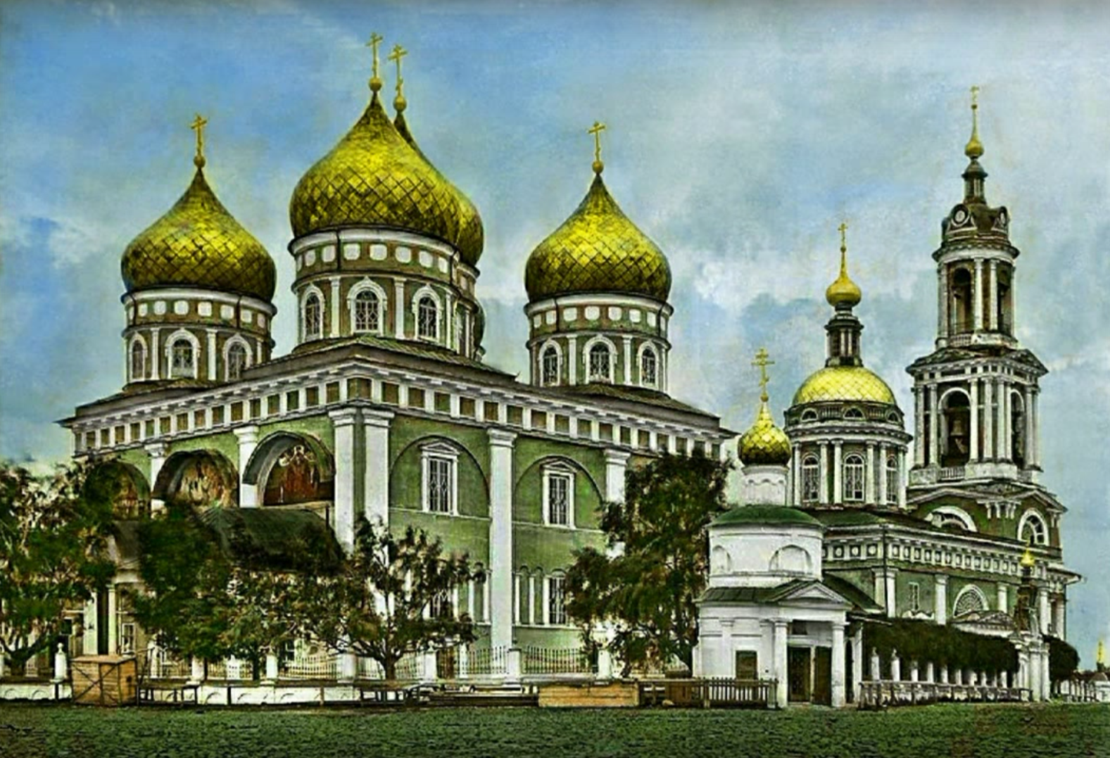 Покровский собор и Троицкая церковь