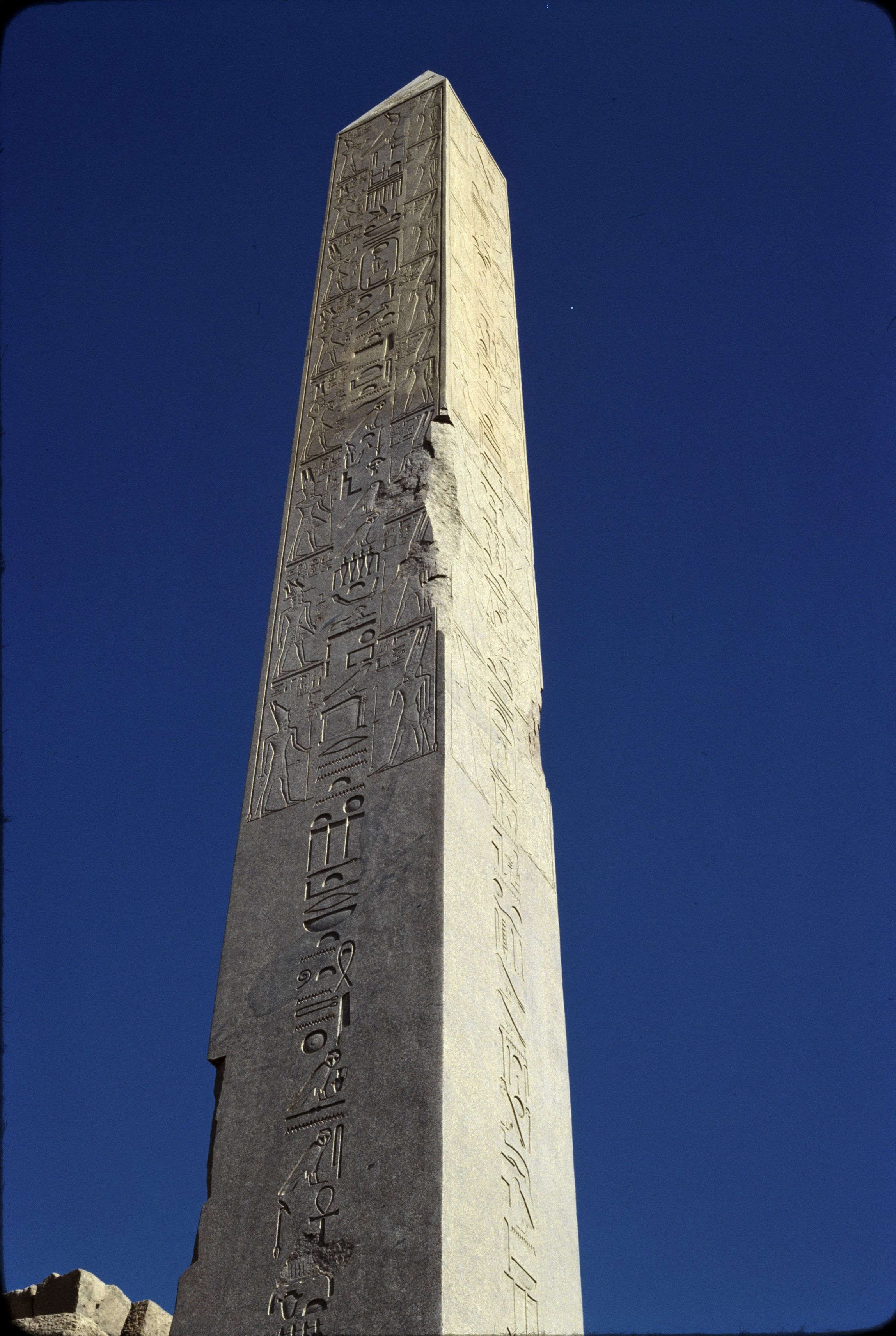 Храм Амона-Ра. Обелиск Хатшепсут