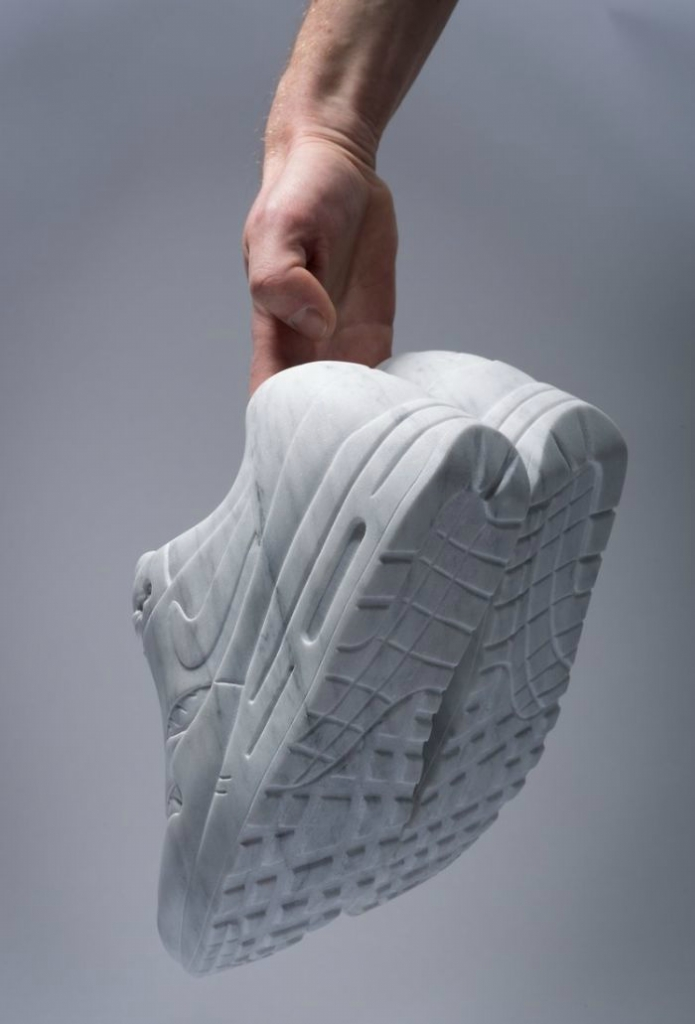 Artist-makes-impressive-sculptures-of-accessories-and-fashionable-clothes-in-marble-5a04f980507fa__700.jpg