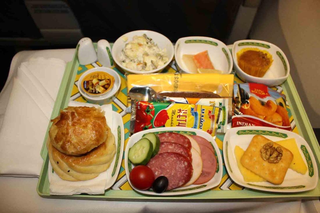 Свежий рейтинг: 10 авиакомпаний СНГ с лучшим питанием на борту (10 фото)