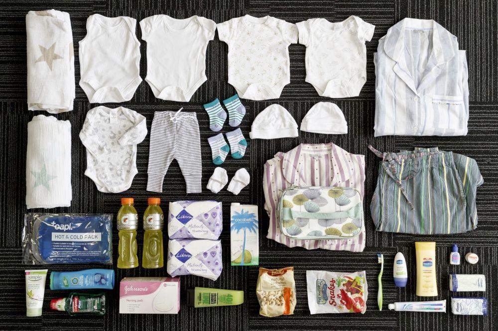 Вещи: туалетные принадлежности, снэки, подгузники, детская одежда, одежда для мамы, массажные масла,