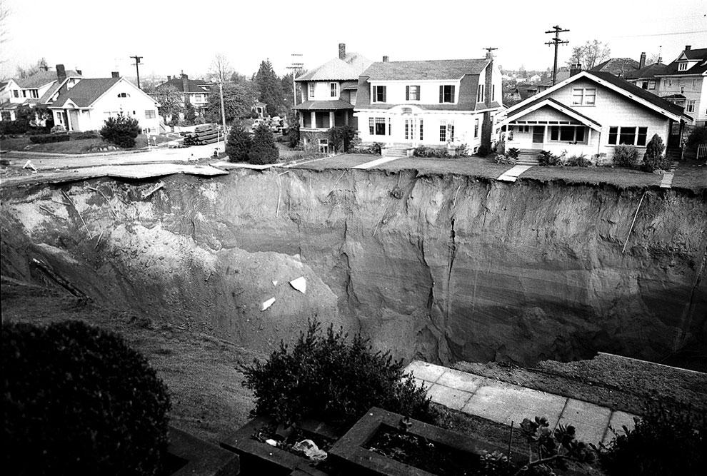 4. 23 февраля 2007 к северу от города Гватемала из-за поломки канализации возникла огромная дыра в З
