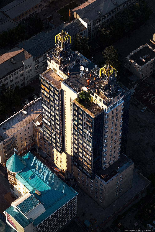 3. Первый новосибирский жилой «небоскрёб» возвела компания АТОН. Она возникла в начале 90-х годов на
